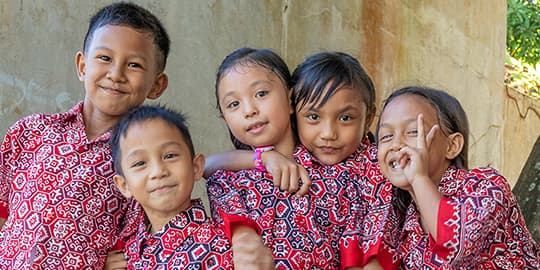 Local school kids posing for the photo